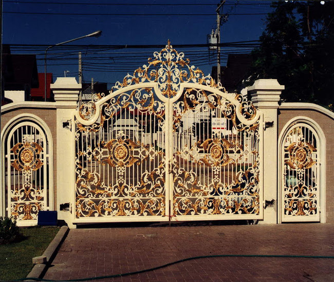 Ornamental gate design