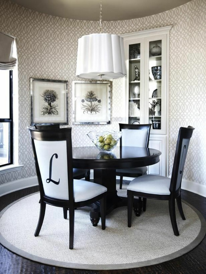 5 tips for choosing the right dining room rug tolet insider for Dining room rugs