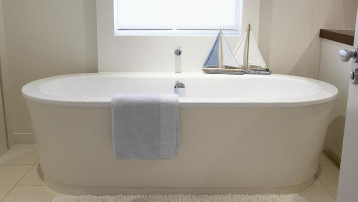 5 steps to choosing the right bathtub tolet insider for Bathtub shapes and sizes