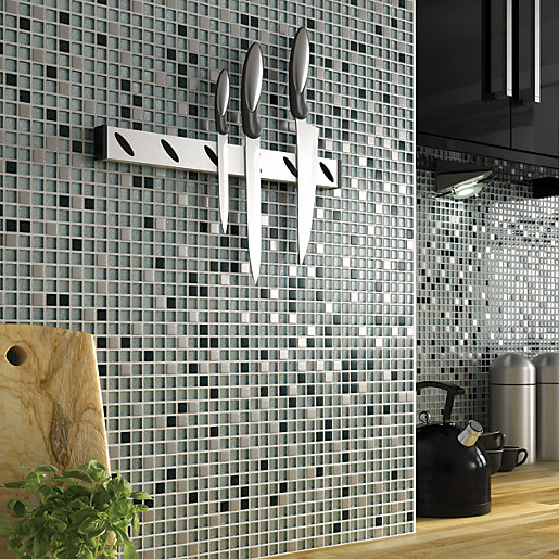 how to cut small pieces of tile