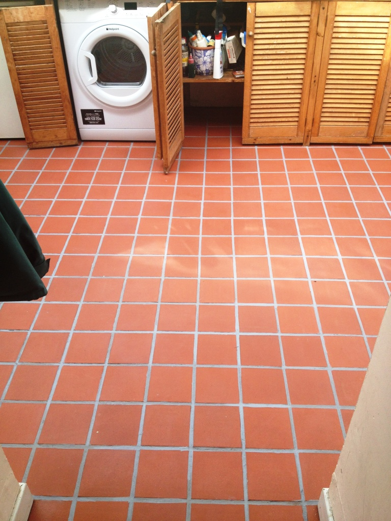7 types of tile materials you should know tolet insider for Kitchen quarry tile
