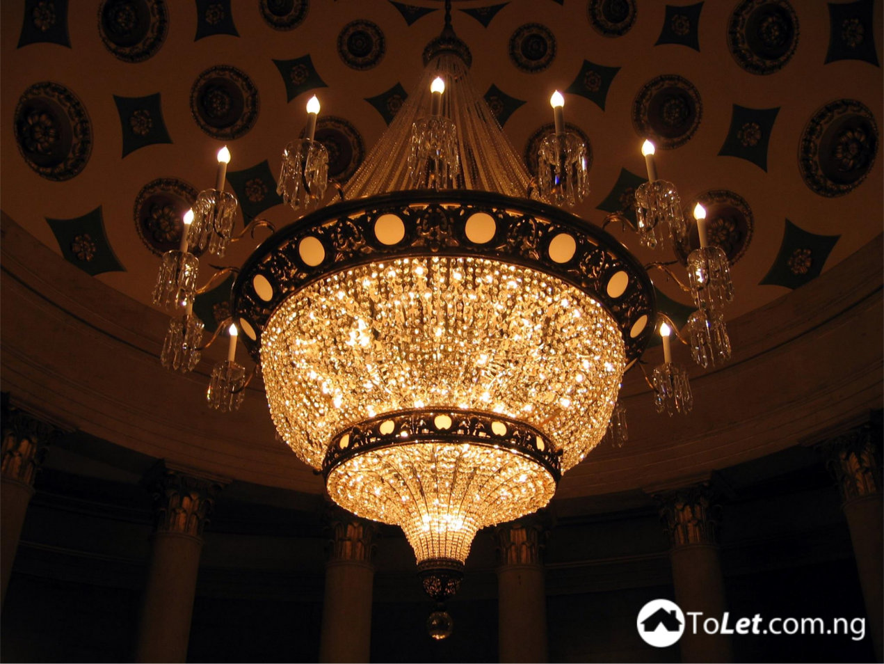 Tips for Setting Up Chandelier in Your Home - PropertyPro Insider