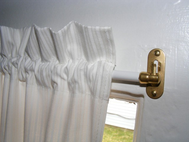 6 Types Of Curtain Rods You Should Know Propertypro Insider